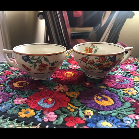 Vintage Other - Set of 2 bone China Floral Tea cups